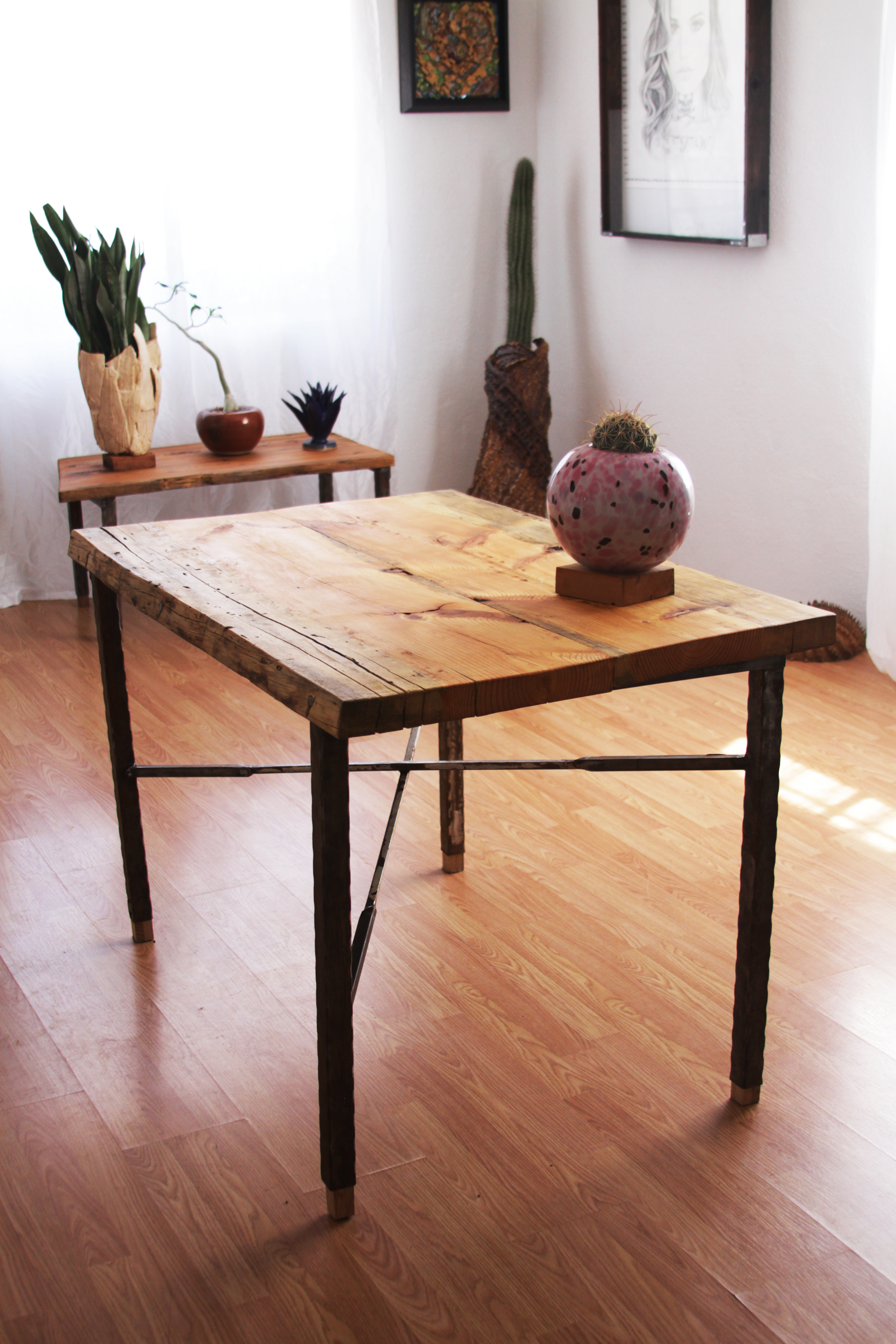ponderosa pine dining table with matching coffee table
