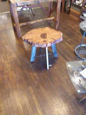 Burlwood_Table